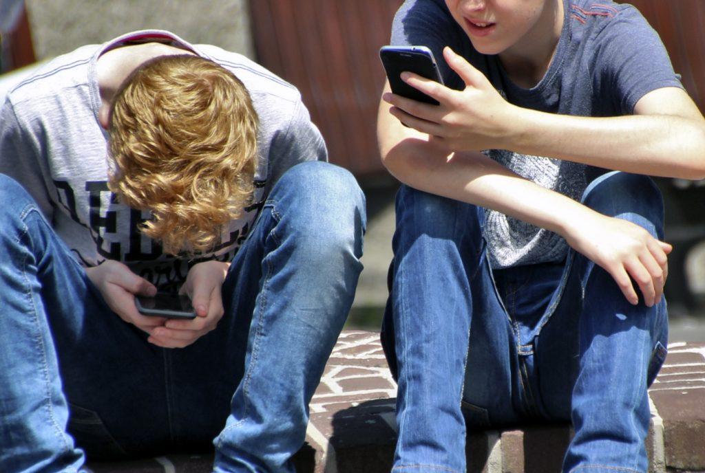 [:es]compatibilizar el uso de la tecnología con una buena crianza[:]